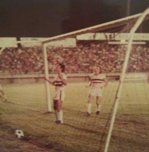Aqui Celebrando un Gol en el Jose Antonio Paez en Portuguesa , acompañado de el Peruano Nuñez